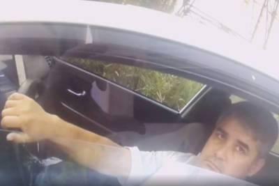 В Петербурге полицейские задержали мужчину, посадившего за руль своего 14-летнего сына