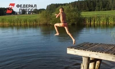 Стоит ли купаться в водоемах в конце лета: рекомендации врача