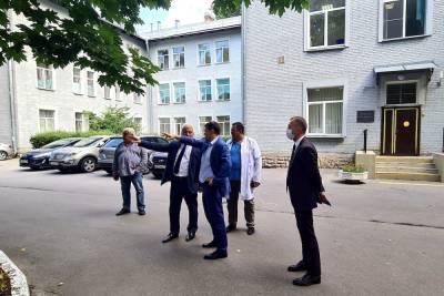 Для петербургской больницы № 15 построят новый высокотехнологичный корпус