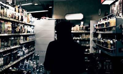 В России хотят поднять возраст продажи алкоголя