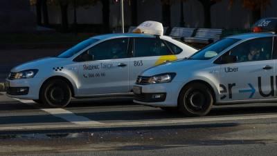 В Петербурге от COVID привились две трети сотрудников транспортной отрасли