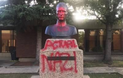 В Канаде осквернили памятник главному командиру УПА