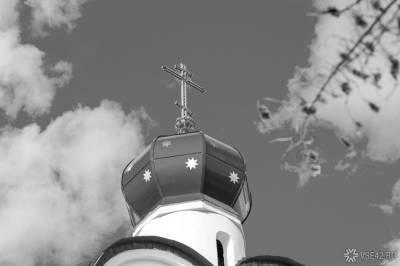 Мужчина попытался совершить суицид в петербургской церкви на глазах прихожан