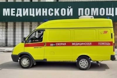Женщина погибла в Омске после наезда грузовика Вольво