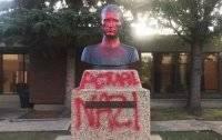 В Канаде осквернили памятник командиру УПА Шухевичу