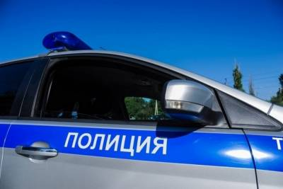 Под Волгоградом столкнулись легковушки: два человека попали в больницу