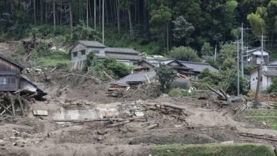 В Японии в результате оползней погибли по меньшей мере пять человек
