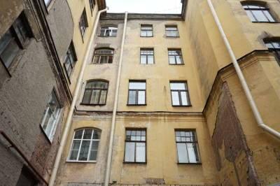 В Петербурге с начала года привели в порядок свыше 60 площадок и дворов
