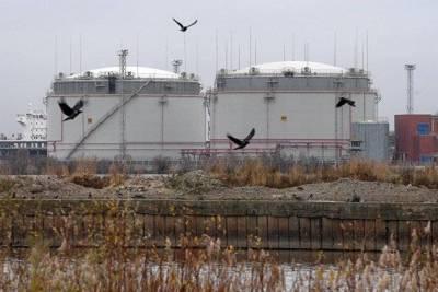 Биржевые цены на все нефтепродукты, кроме авиатоплива, снижаются на Санкт-Петербургской бирже