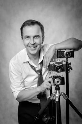 Астраханский актер получил звание заслуженного артиста России