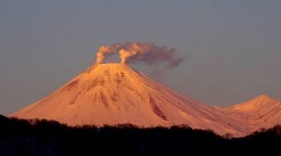 Очевидец рассказал, как депутат сорвался с вулкана на Камчатке и погиб