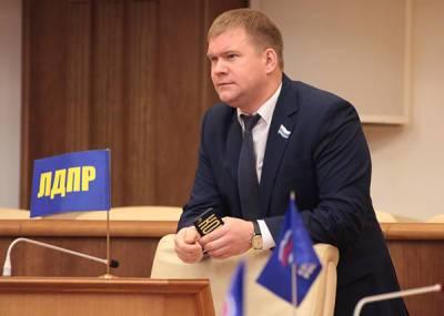 """Суд по делу депутата Коркина не закончился. Родственники убитого заявили о """"беспределе"""""""