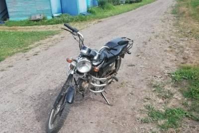 В Тверской области юный мопедист сбил ночью 14-летнюю девочку