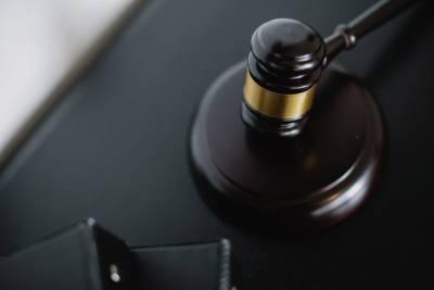 Суд обязал петербургскую компанию ликвидировать свалку опасных отходов