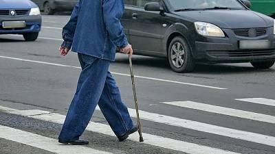 В Смоленске водитель сбил пенсионера на пешеходном переходе