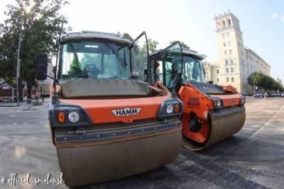 Строители обещают закончить ремонт на Маяковского в Смоленске ко Дню города