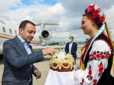 В Украину прилетел премьер-министр Грузии. Он примет участие в саммите Крымской платформы