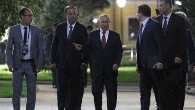 Владимир Путин осмотрел парк «Швейцария» в Нижнем Новгороде