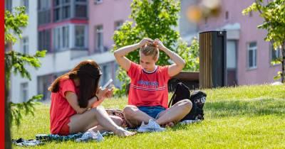 О температурных рекордах в нескольких регионах сообщили россиянам