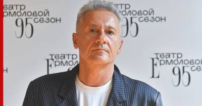 Олег Меньшиков ушел с поста директора Театр Ермоловой