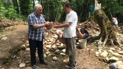 В Абхазии нашли захороненный полторы тысячи лет назад саркофаг