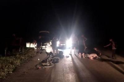 В Курганской области мотоциклист без прав сбил девушку
