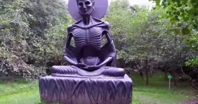 Не Аленкой единой: самые уродливые скульптуры в мире