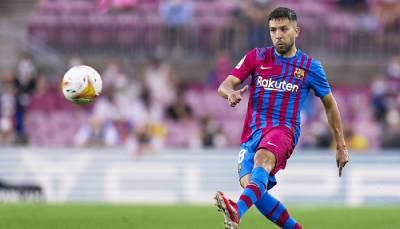 Барселона договорилась с Альбой о снижении зарплаты