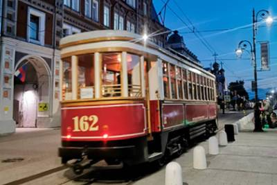 В Нижнем Новгороде запустили ретро-трамвай 1938 года