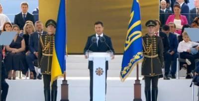 «Нельзя паспортизовать украинские сердца»: Зеленский напомнил о жителях Крыма и ОРДЛО