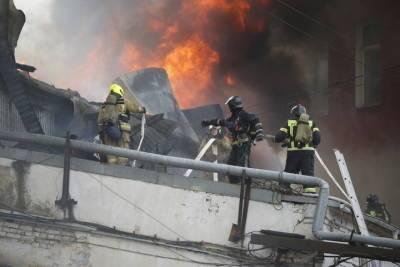 Ночью в центре Петербурга горел хлебный завод