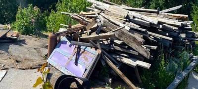 Чиновники посоветовали властям района Карелии пустить снесенные аварийные дома на дрова