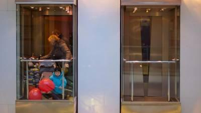 В Петербурге отремонтируют больше 1,1 тыс. лифтов на 3,7 млрд рублей