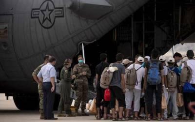 Франция эвакуировала из Афганистана более двух тысяч человек
