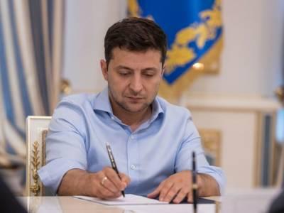 Зеленский назначил представителя Украины при ЕС, уволил посла в Канаде и присвоил Кулебе новое звание