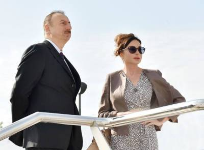Президент Ильхам Алиев и Первая леди Мехрибан Алиева приняли участие в открытии нового парка «Гянджлик» в Баку