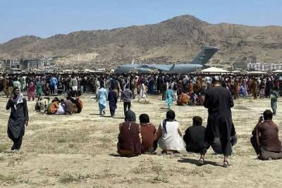 Посол России сообщил о гибели около 50 человек в аэропорту Кабула