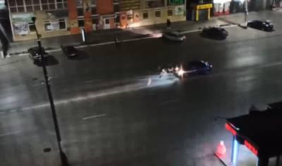 В Башкирии стая собак атаковала проезжающую машину
