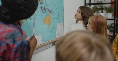 «Должны были поступать год назад»: 9-летняя москвичка-вундеркинд зачислена в МГУ