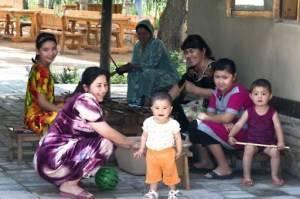 Рождаемость выросла за 30 лет в Узбекистане