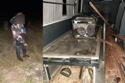 Житель Башкирии самовольно демонтировал забор со скотомогильника и вывез его