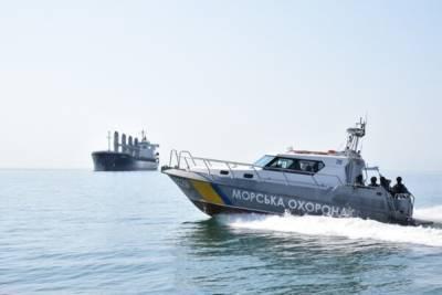 Судно загрязняло море вблизи Одессы: ущерб на сотни тысяч и бурые пятна, фото