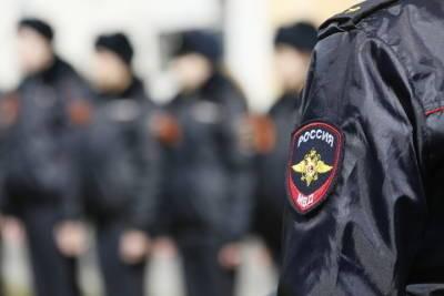 На овощебазах Петербурга нашли склад контрафактного алкоголя и задержали нелегалов