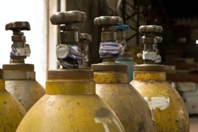 На Думской и Ломоносова снова нашли «веселящий» газ и задержали его любителей