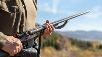 Житель Волгоградской области застрелил 11-летнего сына на охоте