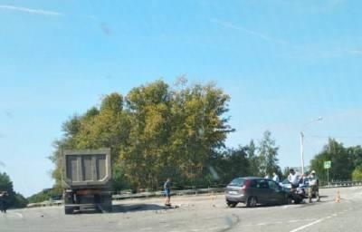 Ребенок пережил жесткую аварию с участием грузовика в Липецкой области