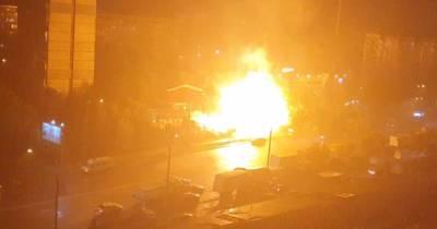 В спальном районе Киева загорелся трансформатор: были яркие вспышки и хлопок (видео)