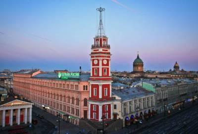 В центре Петербурга починят часы на Думской башне