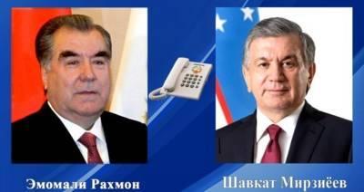 Эмомали Рахмон поздравил Шавката Мирзиёева с 30-летием независимости Узбекистана