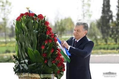 Прямой репортаж с праздничного концерта в честь 30-летия узбекской независимости